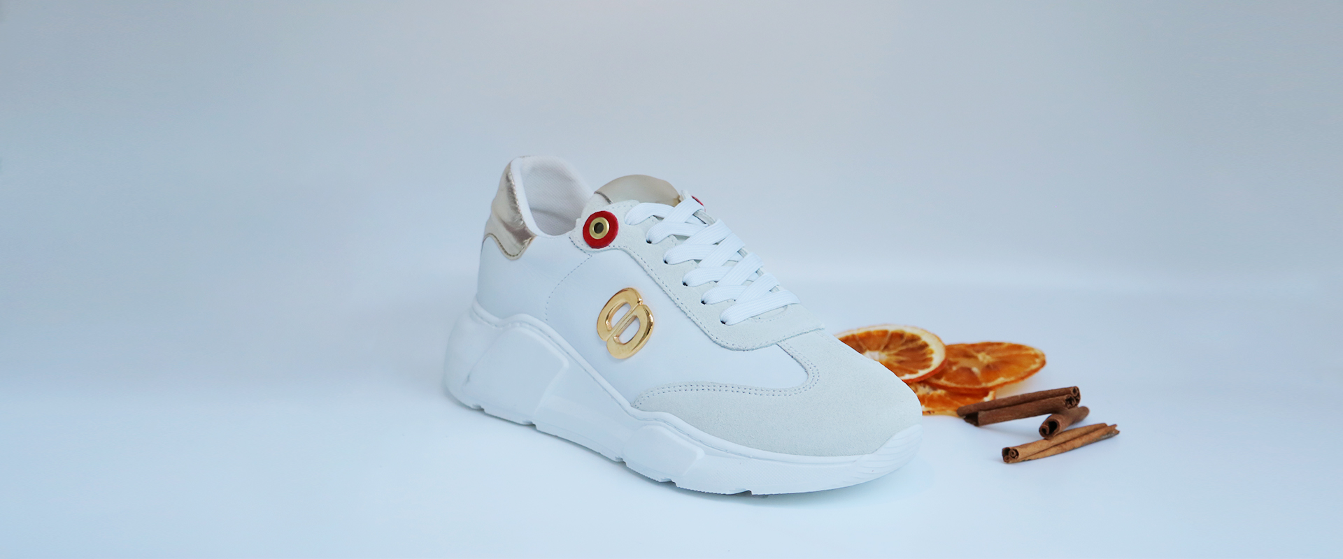 sapatilhas brancas de qualidade